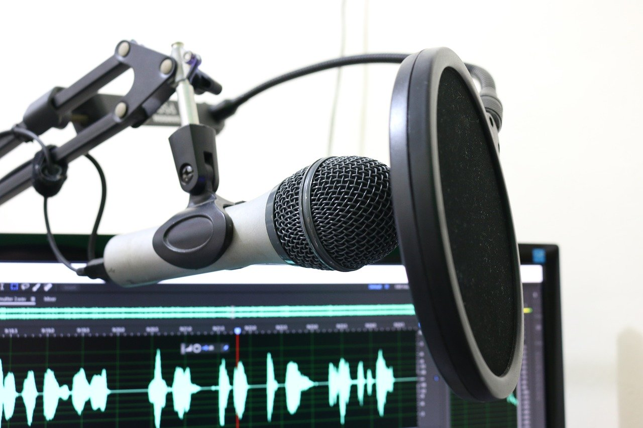 You Need to Know about These Personal Finance Podcasts